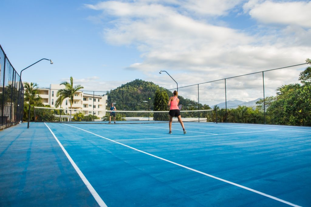 amaroo-resort-tennis-court-3
