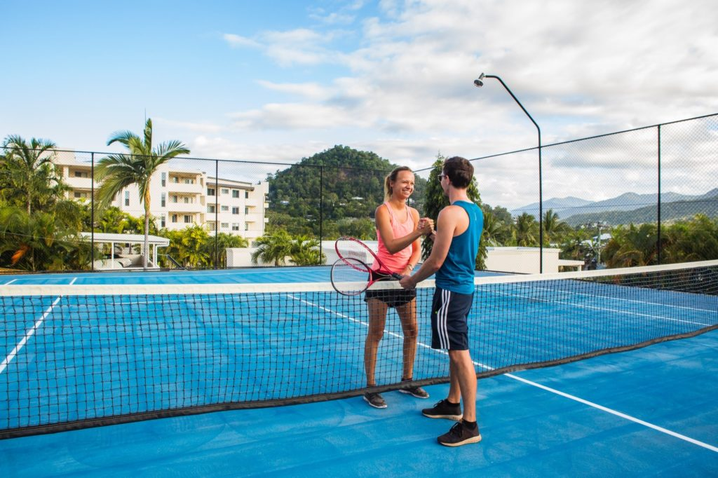 amaroo-resort-tennis-court-8