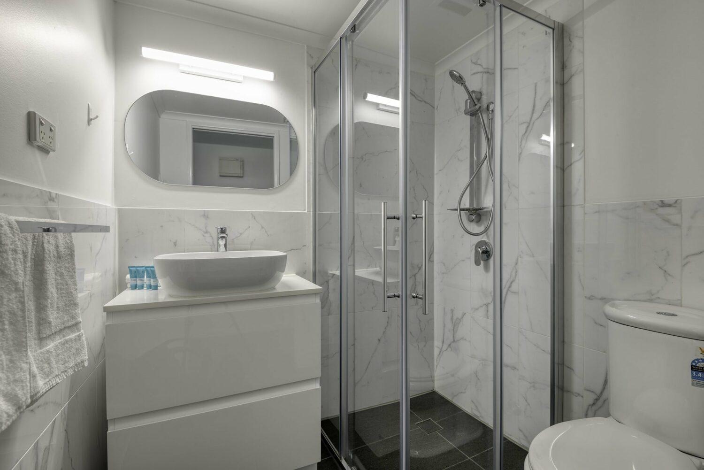 Amaroo_Apt 304 Bath a