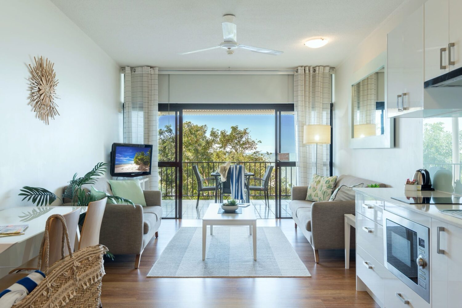 deluxe-ocean-view-studio-unit-404-8